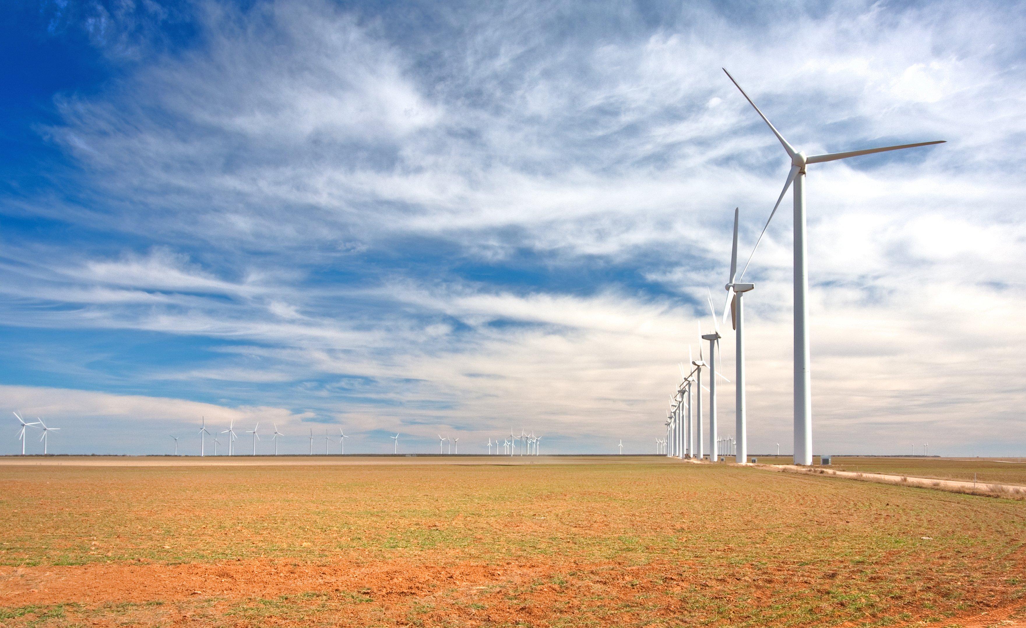 WindTurbine farm Texas-Shutterstock_93257440